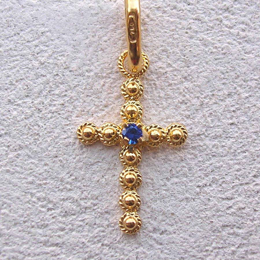 ART 105 - Croce con pietra in filigrana - Dettaglio