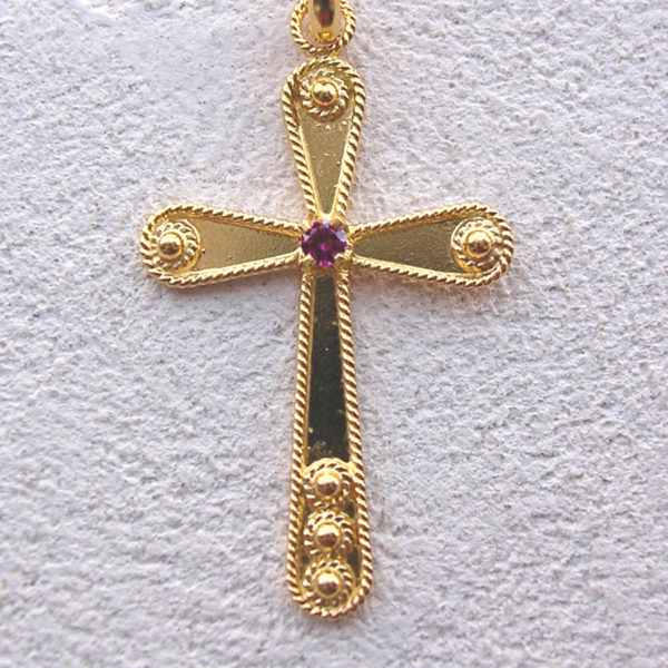 ART 109 - Croce d'oro in filigrana con pietra - Dettaglio