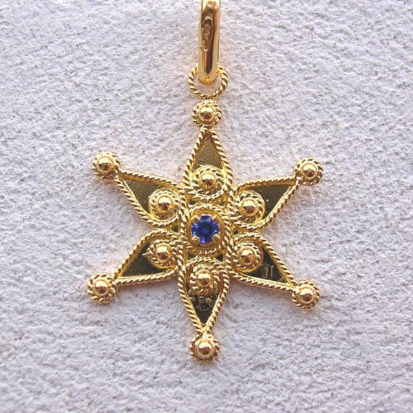 ART 110 - Stella d'oro in filigrana con pietra - Dettaglio