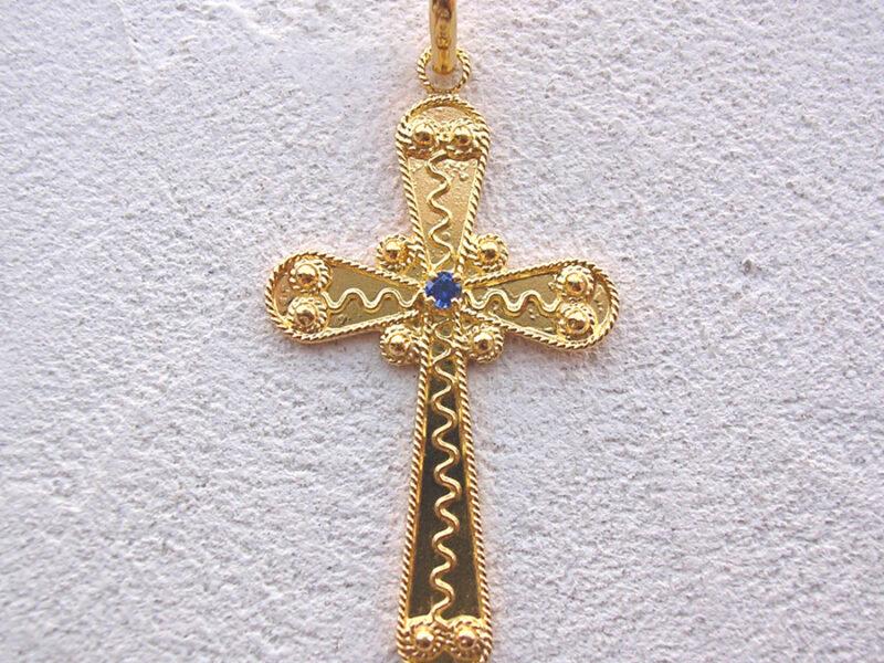ART 111 - Croce d' oro in filigrana