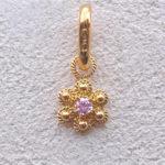ART 114 - Ciondolo d'oro in filigrana con pietra - Dettaglio