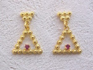 ART 316 - Orecchini d'oro in filigrana con pietra