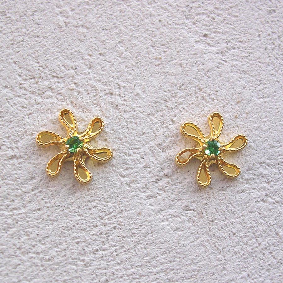 ART 318 - Orecchini d'oro in filigrana con pietra